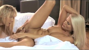 Lesbea Stunning blondes ride each other
