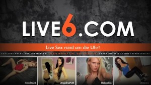 Extrem geile Webcam Amateurin fingert sich feucht.