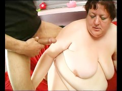 mature bbw grosse femme adore jeune queue: mature bbw loves young cock - julia reaves