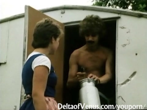 Retro Porn 1970s - Hot & Hairy Brunette Gets Fucked in Camper