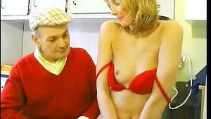 Papy seduces neighbor's wife