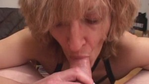 Mature amateur wife gives head with cum in mouth