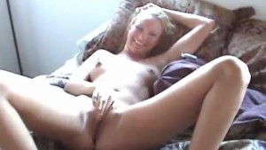 Smiling girlfriend gets creampied after hardcore sex