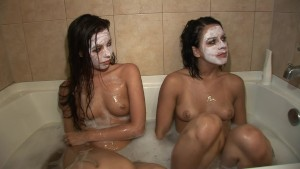Two lesbians give each other 'facials' in the bath - DreamGirls