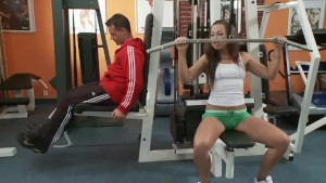 Little facial in the gym - Playvision