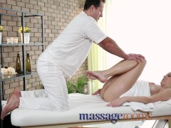 Massage Rooms Soft skinned beauty's juicy hole tingles after deep orgasm