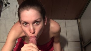 Amateur sucking fucking restaurant manager in pantry