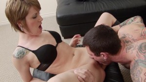 A guy fucks a hot tattooed girl while his gf is in the shower - Mavenhouse