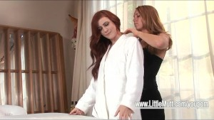 ELLE ALEXANDRA MASSAGE WITH AMI