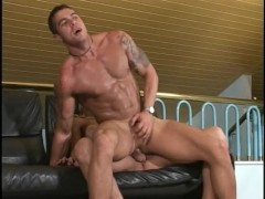 Picture Ladyboy shemale gets fucked by tough guy - T...