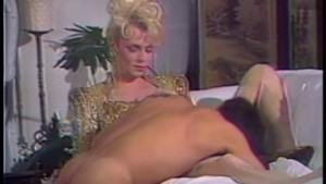 Shemale diva loves cock - Bizarre