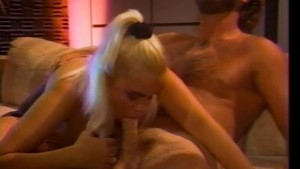 Bearded guy fucks bombshell blonde - CDI