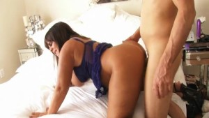 Chubby but curvy wife does porn - Homemade Media
