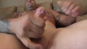 Tattooed Prison Guy Jerking Off - XP Videos