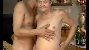etxreme old chick needs a hard cock