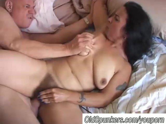 guy masterbates girls pussy