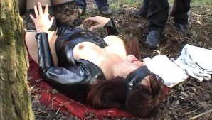Slutwife gets cumshots in a public park