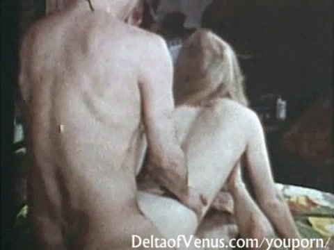 Petite Hairy Pussy Vintage Teen Gets Fucked - 1970s Porn