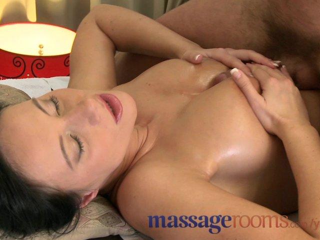 pussy licking orgasm sofa