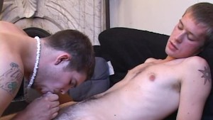 Skinny dudes try sucking a dick for a camera - Street Trade Studios