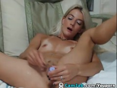 Picture Blonde Hottie Reaches Orgasm