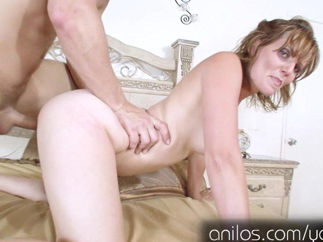 Hot moms ass fucking