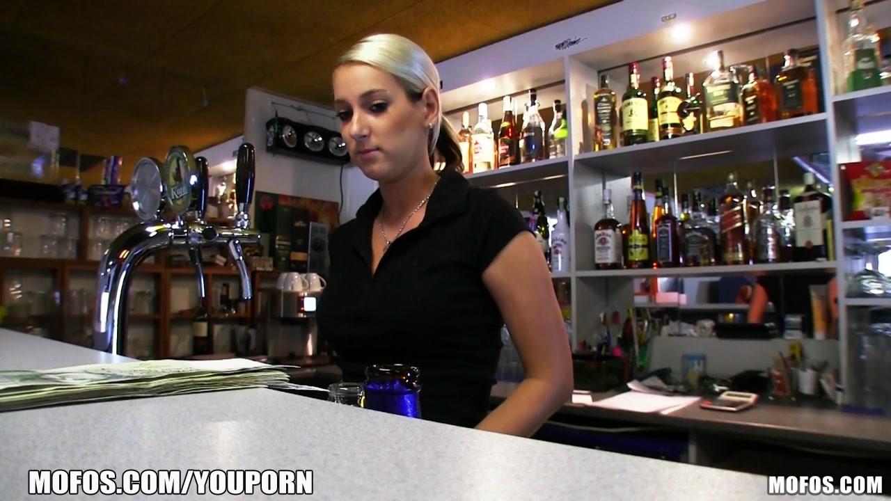 Чешскую бармену трахнули 19 фотография