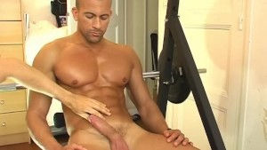 Breno, a hunk guy get massaged and get wanked in spite of him !