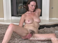 Hairy woman Veronica Snow relaxes after working view on keezmovies.com tube online.