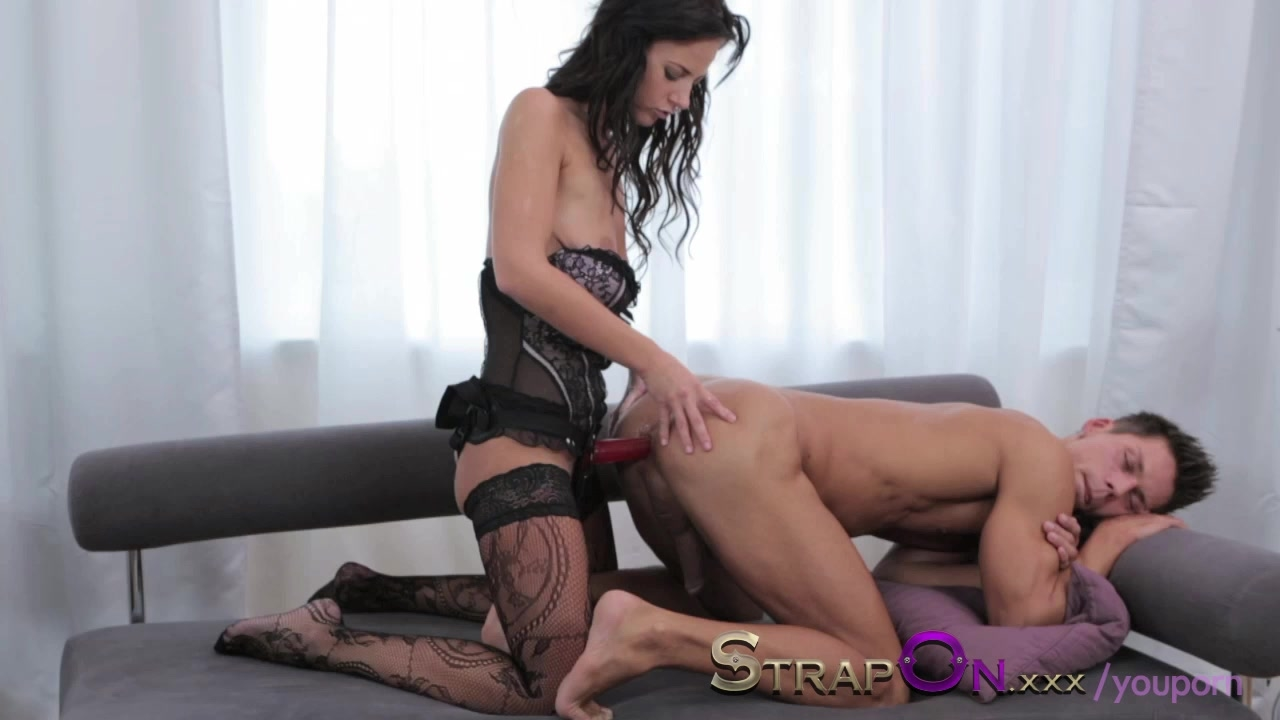 Can woman fucking man with strap on
