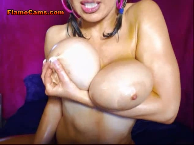 Tit Fuck With Oiled Babe