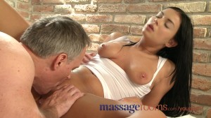 Massage Rooms Oily foreplay and intense orgasm for dark haired girls