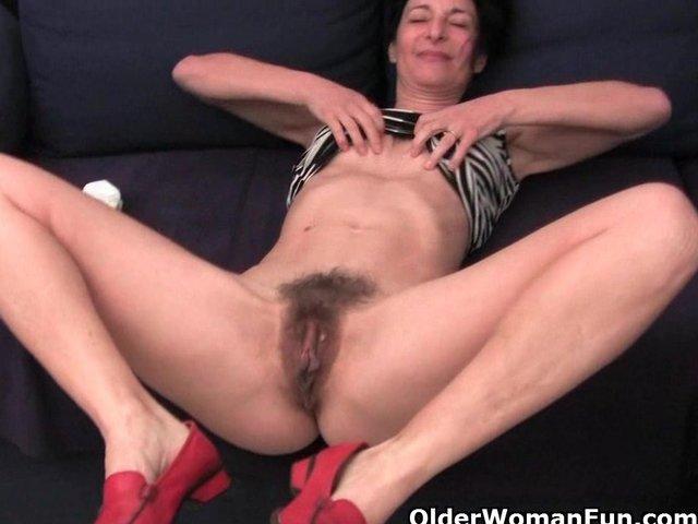 hairy free pussy viedos