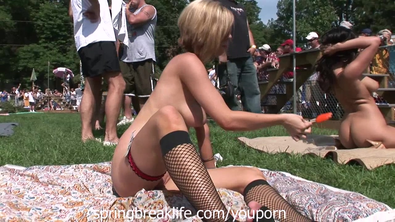 Naked in Broad Daylight at Nudes a Poppin Stripper Festival