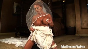 Aziani Iron mature female bodybuilder rides sybian in wedding dress