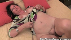 Mature mom with big tits and hairy pussy needs to get off