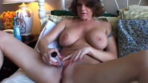 Sexy MILF Kayla is a hot fuck