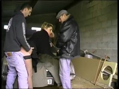 Threesome in a garage - Telsev