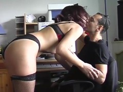 Horny girlfriend tries to distract her boyfriend from the computer - Telsev