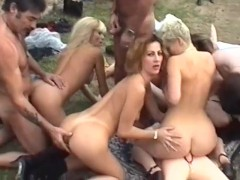 Crazy orgy outside - Telsev