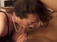 Hairy mature takes a big cock - Telsev