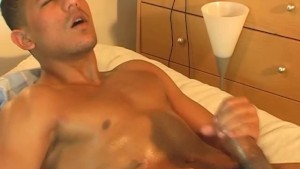 Full video: Straight arab guy serviced: Bachir get wanked his huge cock !