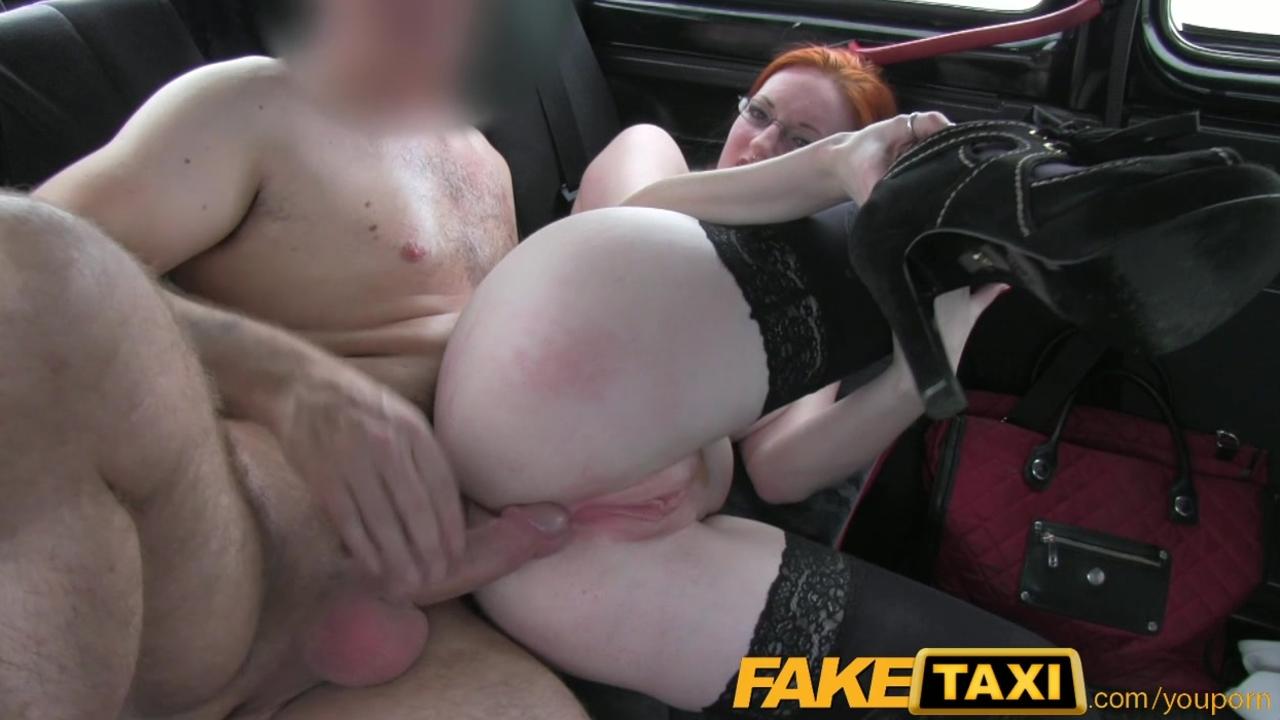 Трахают в такси 16 фотография