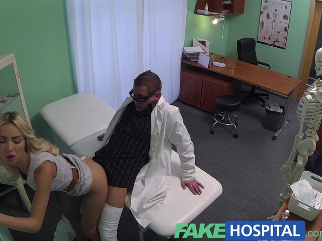 Fakehospital hot sales girl uses her tight pussy to close a 9