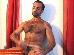 Picture K-mel a mature arab sport guy get wanked his...
