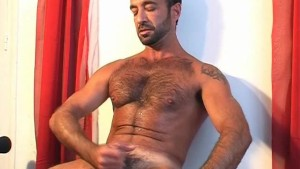 K-mel a mature arab sport guy get wanked his hard cock by a guy in spite of him!