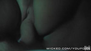 Nicole Aniston sex on the streets