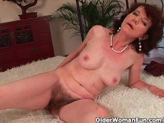 YouPorn - Mature mom with hairy ...