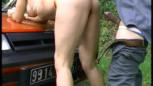 Mature couple fucking in the car, vroom vroom! - Telsev