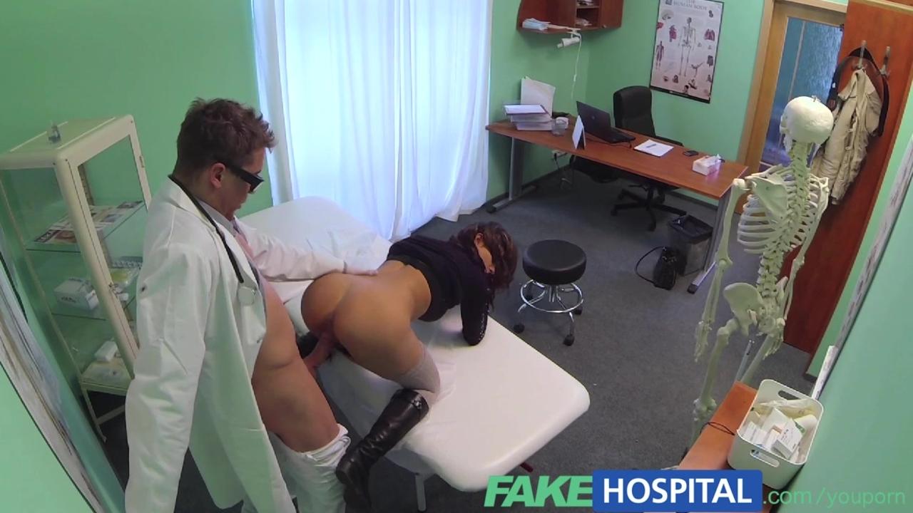 Охуенная парнушка в больнице фото 427-802